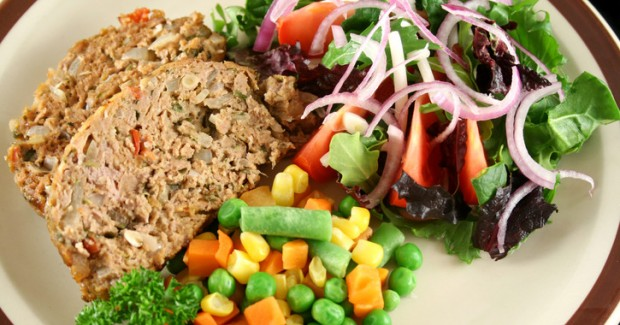 fill-half-plate-vegetables-and-fruits